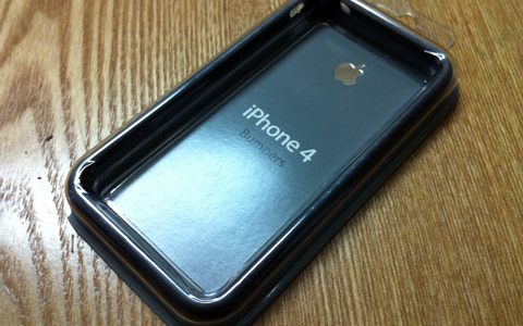 iPhone 4 Bumper 到着!