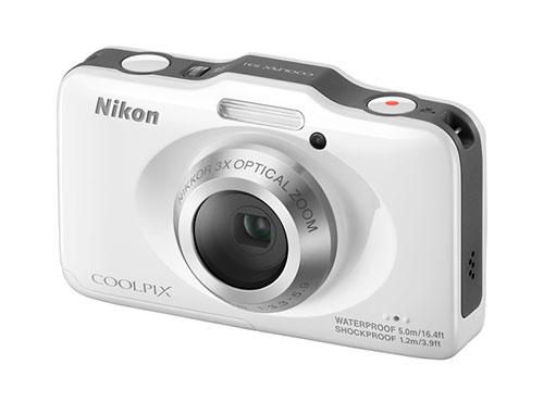 防水 5m + 耐衝撃 1.2m で、一万円を切る [ Nikon デジタルカメラ COOLPIX S31 ] 購入しました~。