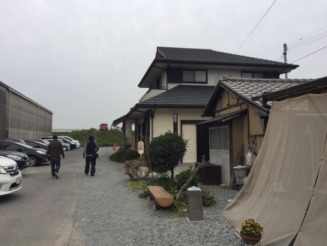 香川県丸亀市飯山町のうどん屋さん「なかむら」へ行ってきました〜。(^o^)