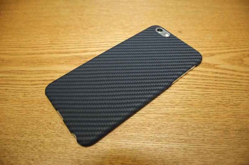 マットな手触りが良い! iPhone 6 Plus のケースを PITAKA® アラミド製ケースに変えてみました!