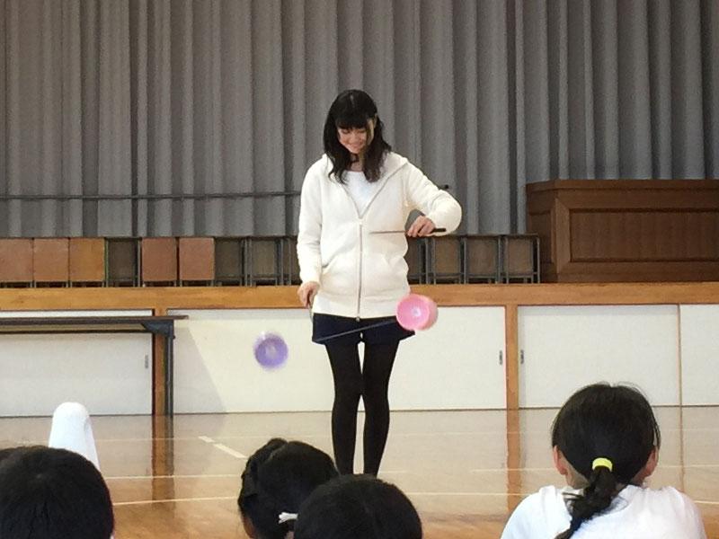 川添小学校の放課後子ども教室に香川大学手品サークル [ メルシー笑クラブ ] さんが遊びに来てくれました!